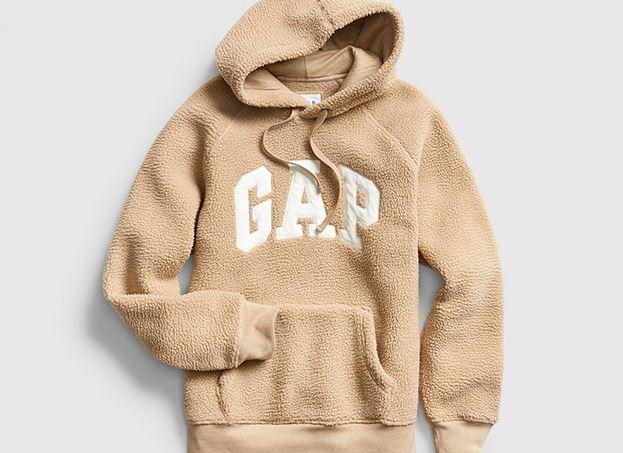 Gap'in İkonikleşen Logo Sweatshirt'lerini Keşfet